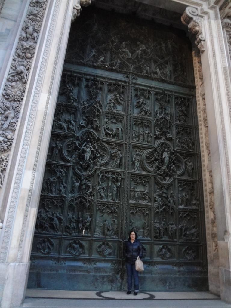 Passeio na praca da Duomo e ao seu redor (11)